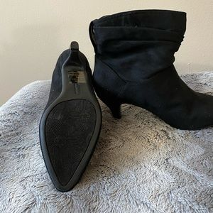 Shoes - NWT ANKLE BOOTIES